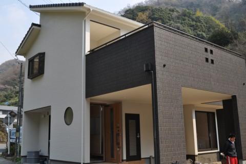 屋上庭園付きバルコニーのある家